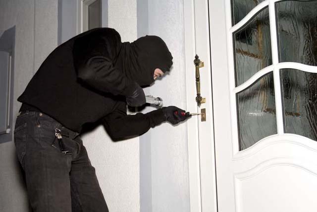Esta Navidad protege tu casa de robos, y ten a mano un buen seguro del hogar!