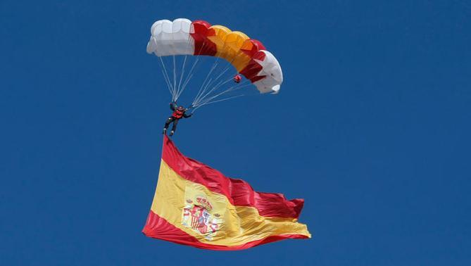 paracaidista_dia_hispanidad_0